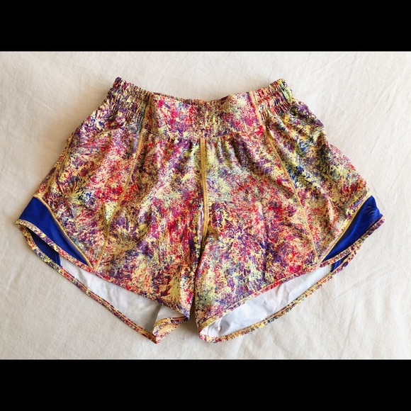 lululemon Hotty Hot Short Exclusive Print - Size 4